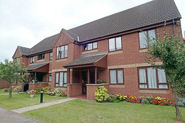 Thumbnail Flat for sale in Parkside Court, Diss