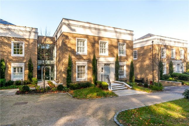 Thumbnail Flat for sale in Connaught Square, Winchester, Hampshire