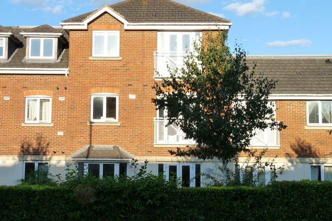 Thumbnail Flat for sale in Station Road, Edenbridge