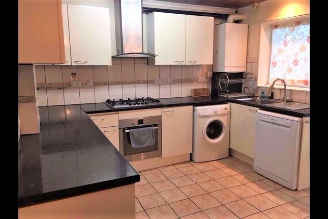 Thumbnail Terraced house to rent in Hereford Road, Feltham