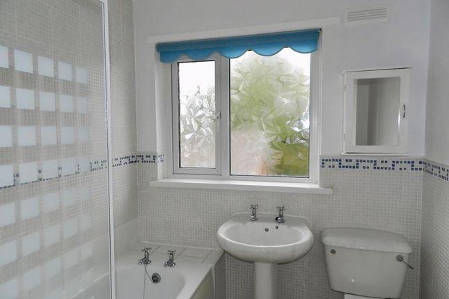 Family Bathroom of Heol-Y-Foelas, Bridgend CF31