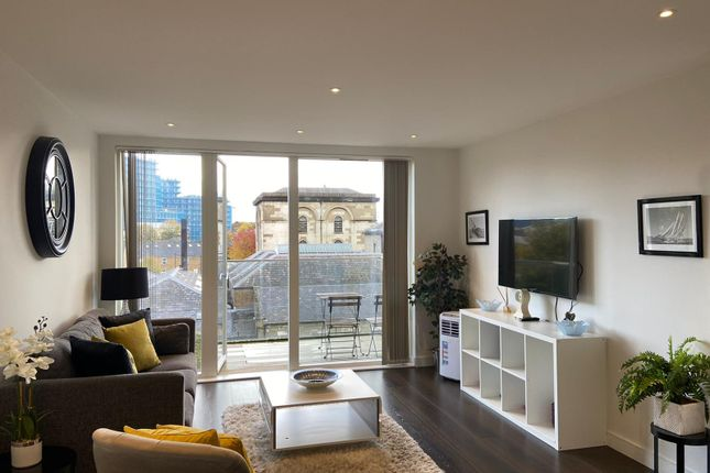 Thumbnail Triplex to rent in Easton House, Heritage Place, London