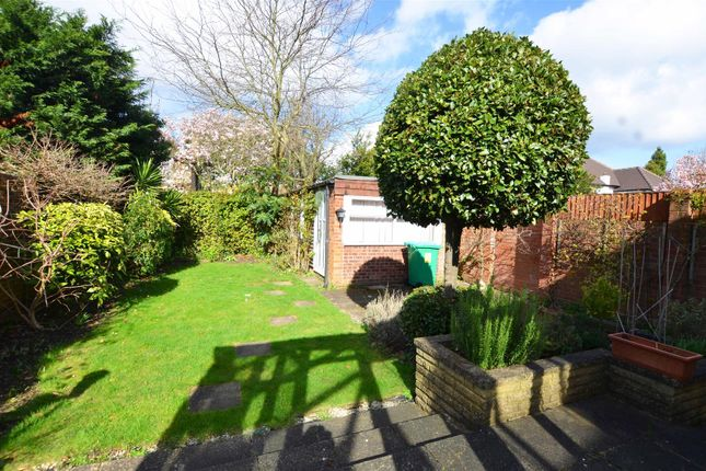 Thumbnail Bungalow to rent in Atbara Road, Teddington