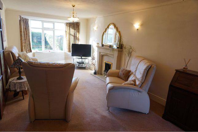 Lounge of Fluin Lane, Frodsham WA6