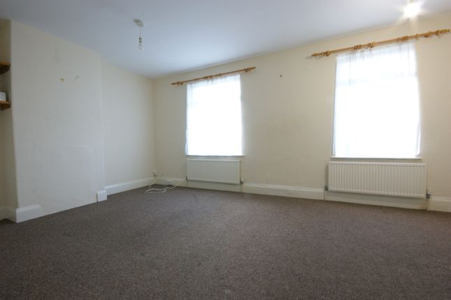 2 bed flat to rent in Maidenway Road, Paignton TQ3