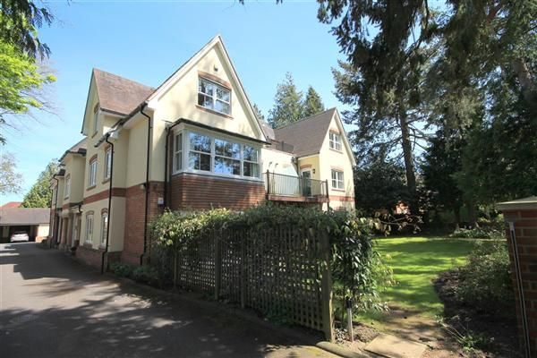 Thumbnail Flat to rent in Tower Road, Branksome Park, Poole