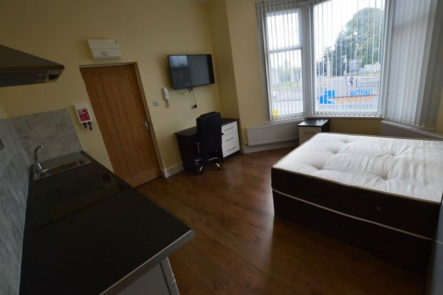 Studio to rent in London Road, City Centre