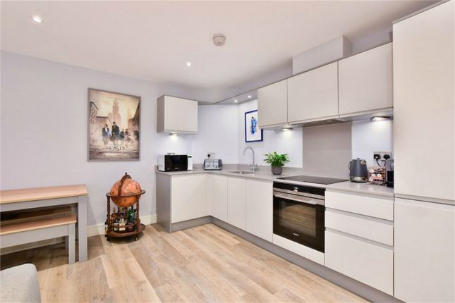Thumbnail Flat for sale in Flat 3, Prospect House, The Broadway, Farnham Common