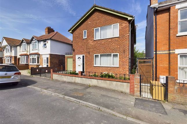 4 bed detached house for sale in Kitchener Avenue, Gloucester GL1