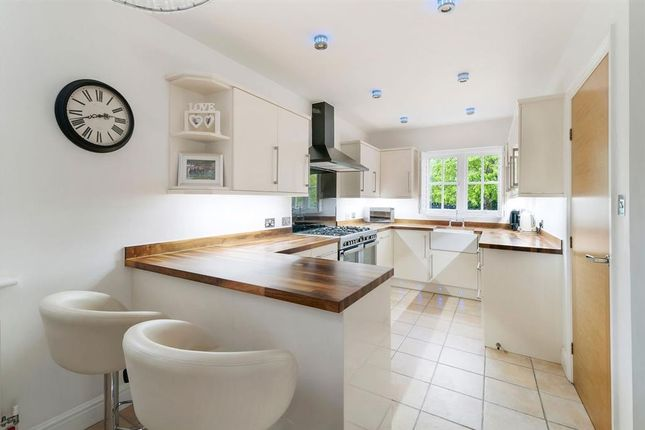 New Kitchen of Discovery Drive, Kings Hill, West Malling, Kent ME19