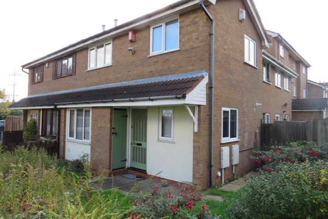 2 bed property to rent in Durham Road, Rowley Regis B65
