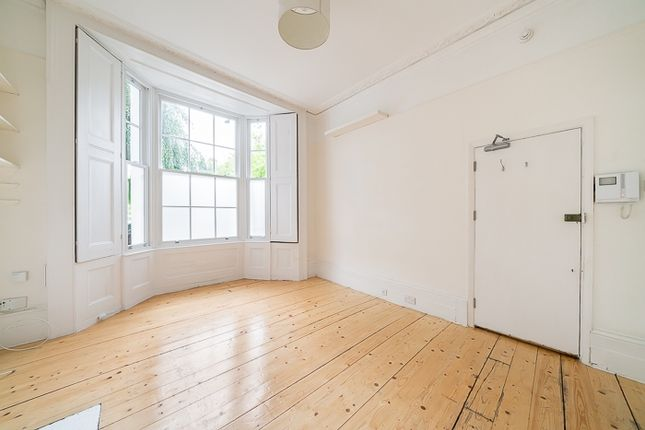 Thumbnail Studio to rent in Queens Crescent, London