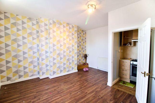 Livingroom of North Street, Lockwood, Huddersfield HD1