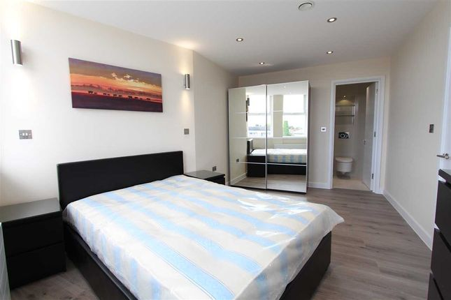 Thumbnail Flat to rent in High Street, Wealdstone, Harrow