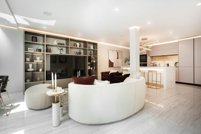 3 bed flat for sale in South Molton Street, London W1K
