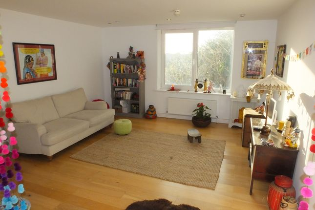 Thumbnail Flat to rent in Broomans Terrace, Lewes