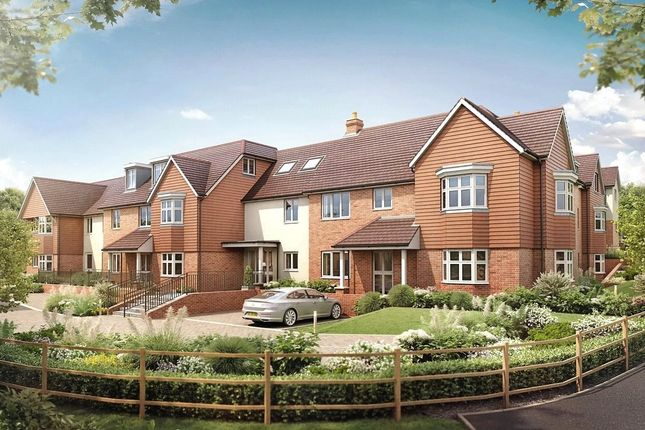 Thumbnail Flat for sale in Outwood Lane, Chipstead, Coulsdon