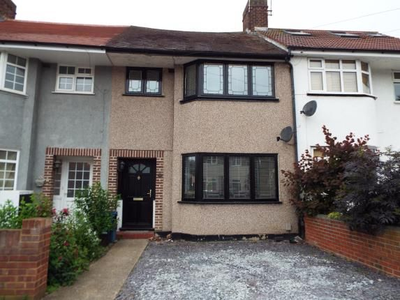 Thumbnail Terraced house for sale in Hainault, Essex