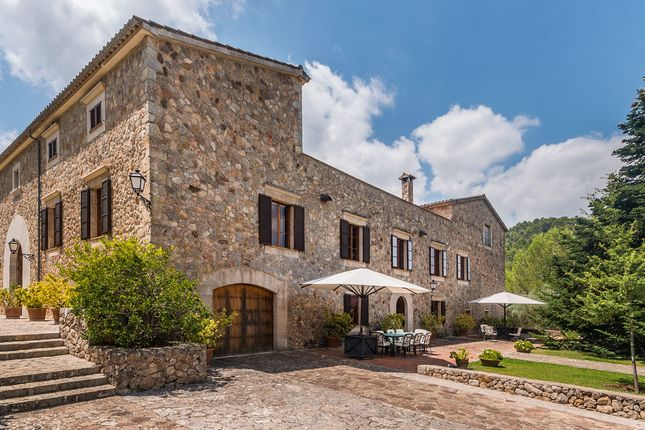 Thumbnail Villa for sale in Puigpunyent Countryside, Mallorca, Balearic Islands