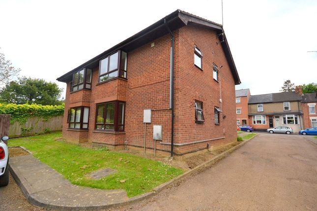 Thumbnail Flat for sale in Chaucer Street, Poets Corner, Northampton