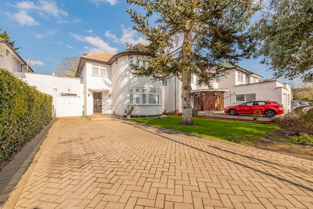Thumbnail Semi-detached house for sale in Stonegrove, Edgware