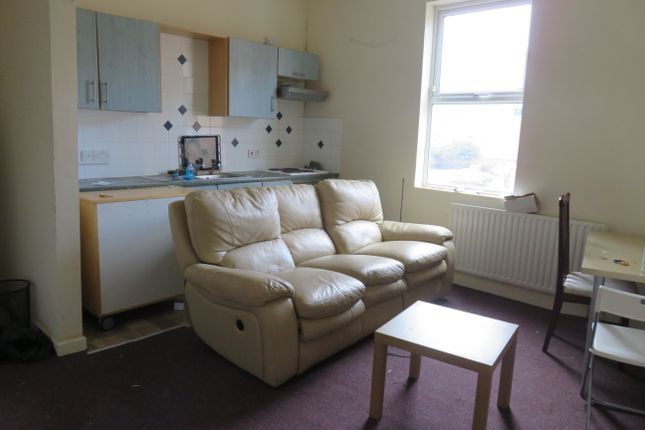 Thumbnail Flat to rent in Alpha Terrace, Town