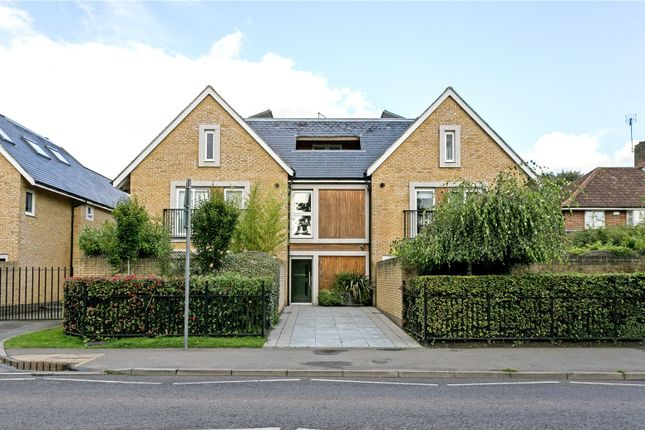 Thumbnail Flat for sale in Crown Studios, 141 Station Road, Beaconsfield