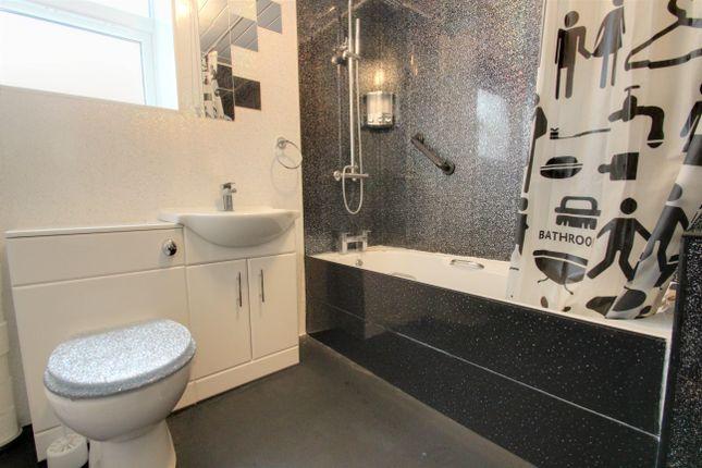 Bathroom of Archer Terrace, Plymouth PL1