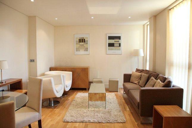 2 bed flat to rent in Downham Road, Islington, London N1