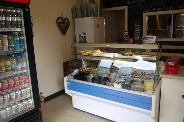 Restaurant/cafe for sale in Cafe & Sandwich Bars BD19, West Yorkshire