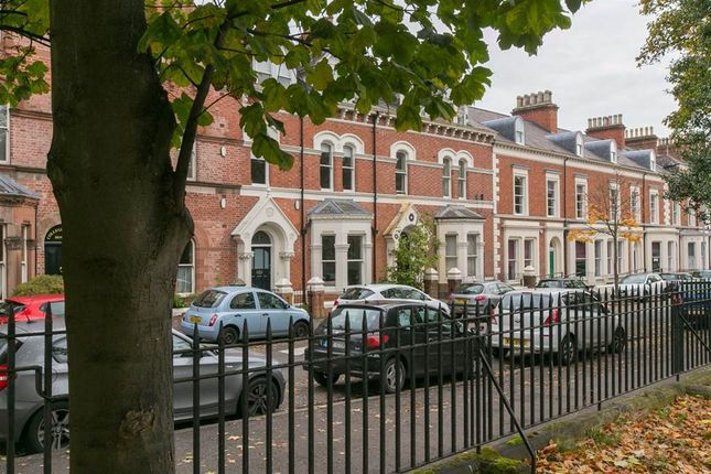 Thumbnail Town house to rent in 2, College Green, Belfast
