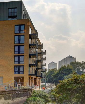 Thumbnail Flat to rent in Ram Quarter, Wandsworth