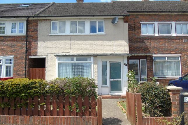Thumbnail Property to rent in Churchill Road, Langley, Slough