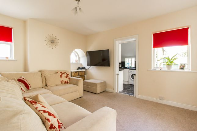 Thumbnail Flat for sale in Beech Road, Hadleigh