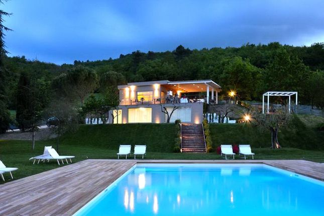 Hotel/guest house for sale in Tenuta Dei Gelsomini, Spoleto, Umbria