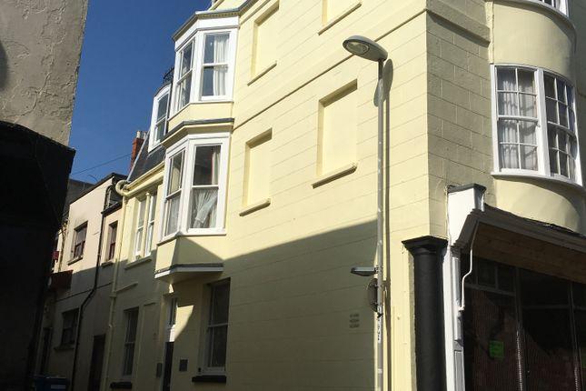 Flat to rent in Bond Street, Weymouth