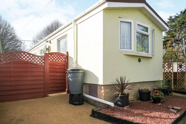 Thumbnail Mobile/park home for sale in Rydon Park, Rydon Lane, Exeter