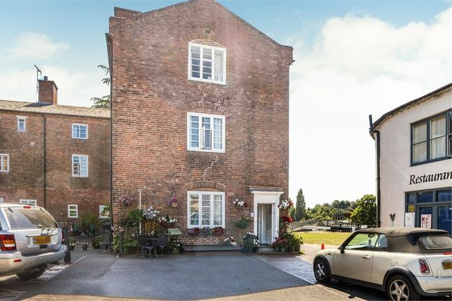 Thumbnail End terrace house for sale in Severn Side, Stourport-On-Severn, Worcestershire
