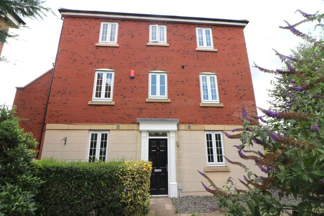 4 bed property to rent in Lakeside Village Shopping Outlet, White Rose Way, Doncaster DN4