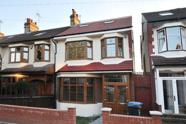 Thumbnail Property for sale in Hawthorn Avenue, Palmers Green, London