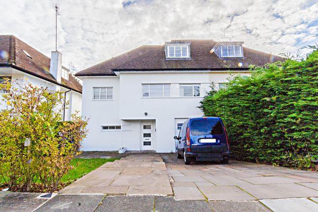 Thumbnail Flat to rent in Vivian Way, London
