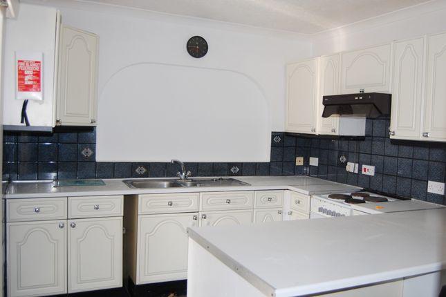3 bed bungalow to rent in Oakside, Denham UB9