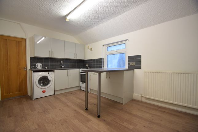 Thumbnail Duplex to rent in City Road, Cardiff