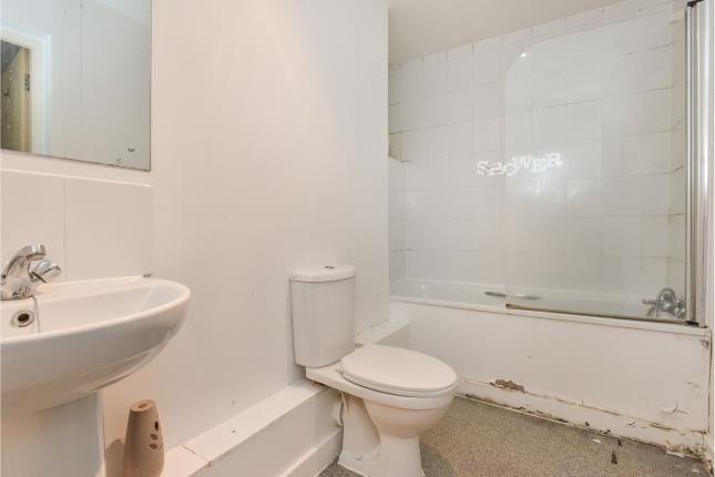 Bathroom of Stephenson House, Bletchley, Milton Keynes, Buckinghamshire MK2
