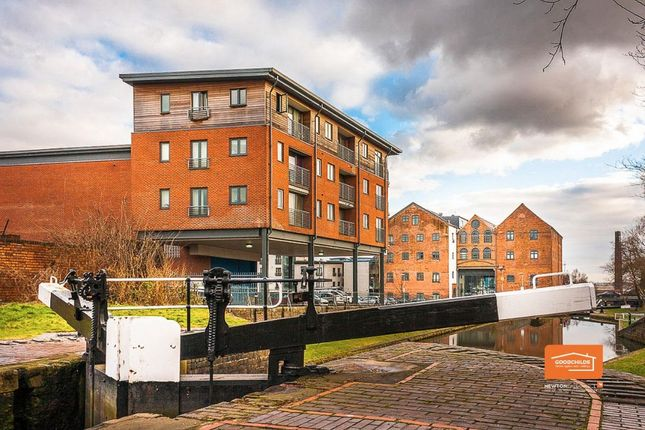2 bed flat to rent in Wolverhampton Street, Birchills, Walsall WS2