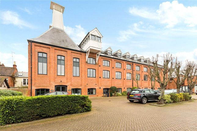 Thumbnail Flat to rent in New Street, Henley-On-Thames, Oxfordshire