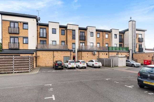 Thumbnail Flat for sale in Close To Bicester North Station, Bicester, Oxfordshire