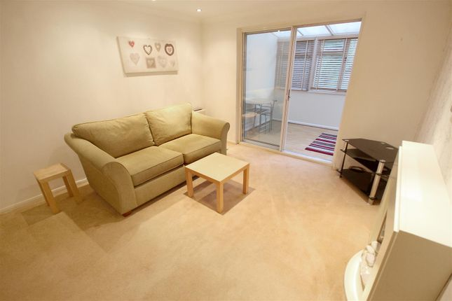 Living Room of Oakes Park View, Sheffield S14