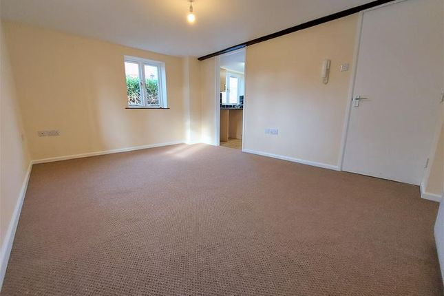 Thumbnail Flat to rent in 5 Pepperpot Mews, Worcester, Worcestershire