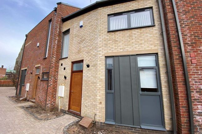 Thumbnail Terraced house to rent in Whitefriars, Off Friar Lane, Leicester